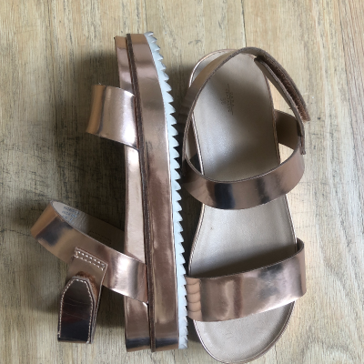 Sandalias metalizadas Best for less