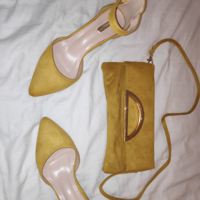Zapatos más bolso a juego