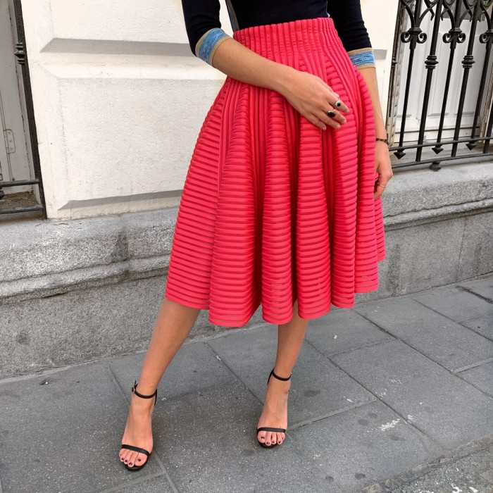 Falda midi rosa