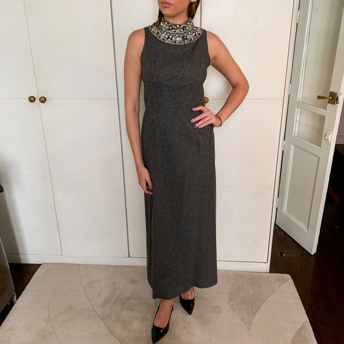 Vestido lana gris con pedrería