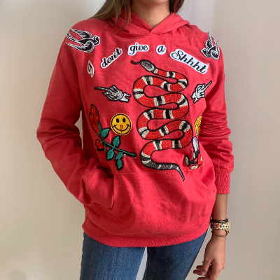 Sudadera roja con parches Best for less