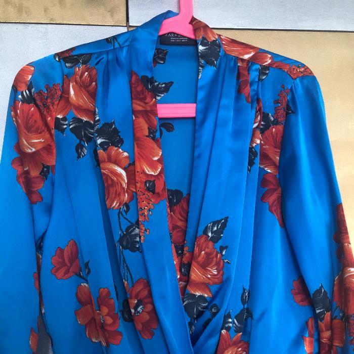 Body floral con escote