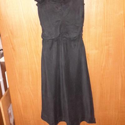 Vestido negro de seda
