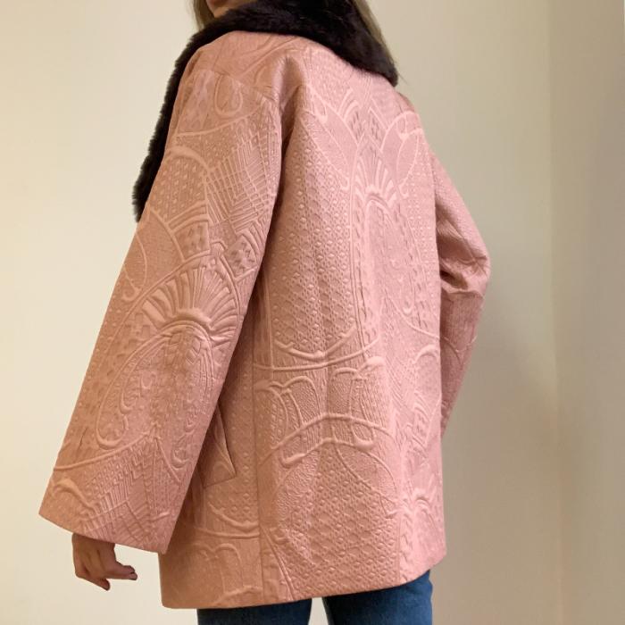 Abrigo con cuello