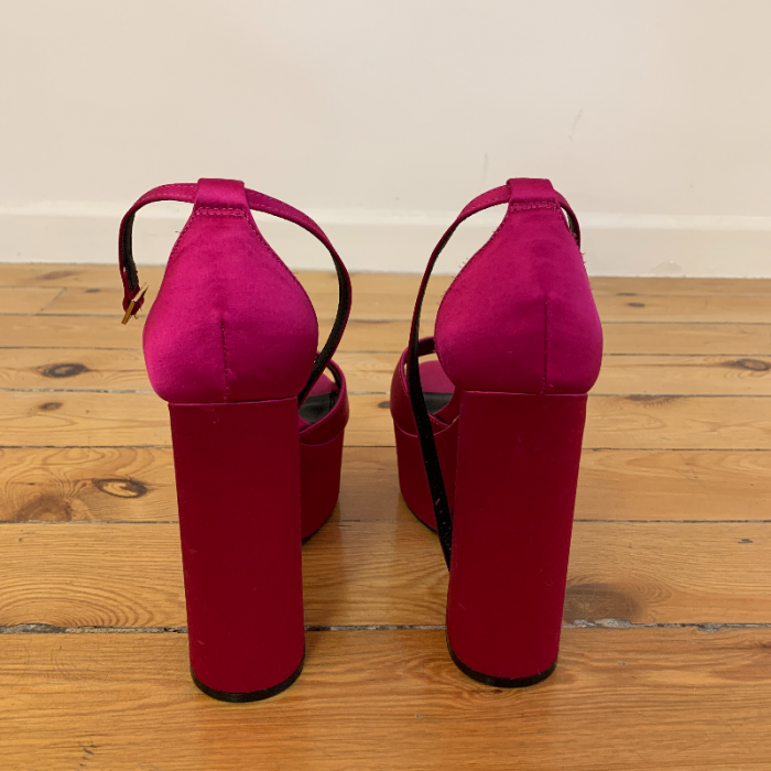 Sandalia plataforma rosa
