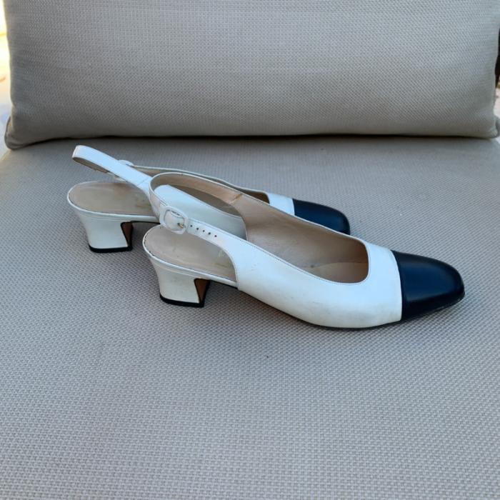 Zapato Blanco Punta Negra