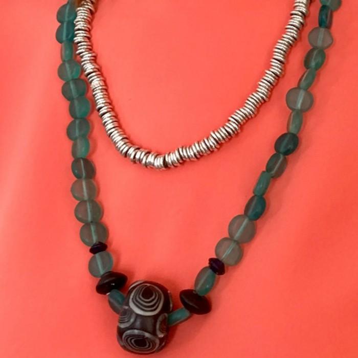 Conjunto dos collares azul y plata