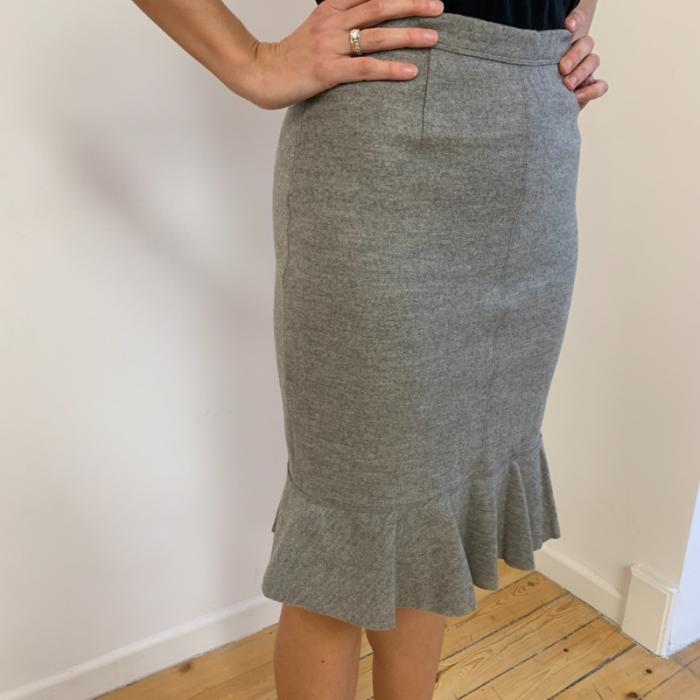 Falda de lana gris