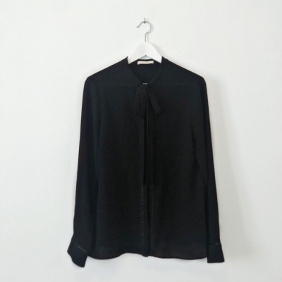 Camisa con lazada Best for less