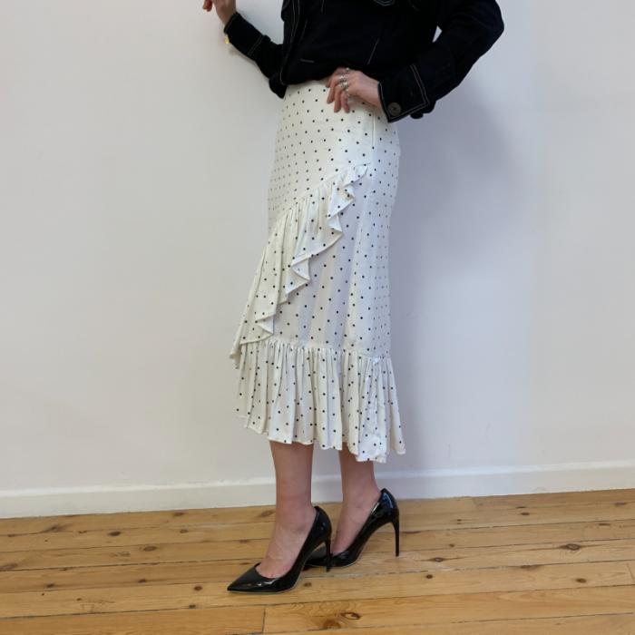 Falda blanca lunares