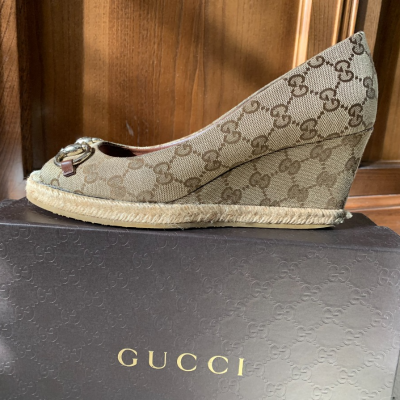 Cuñas de Gucci con logo Best for less