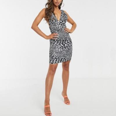 Mini vestido escotado Best for less