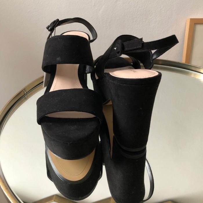Sandalias tacón ancho negras