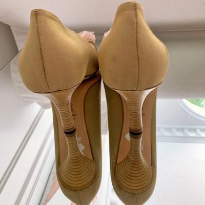 Zapato tacón beige