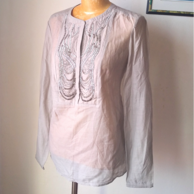 Blusa seda y abalorios Best for less