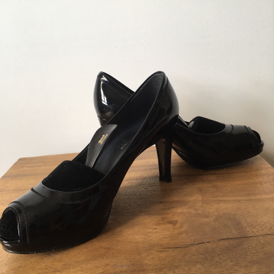 Luxury Russell & Bromley Best for less