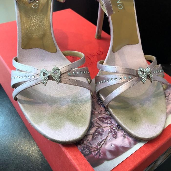 Sandalia peep toe lila