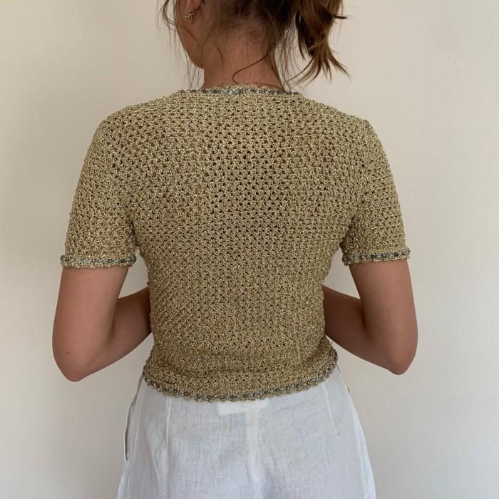 Top crochet dorado