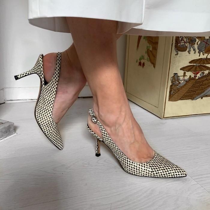 Zapato destalonado tacón