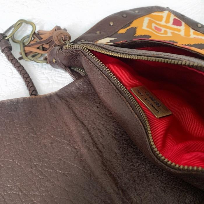 Bolso cuero con seda