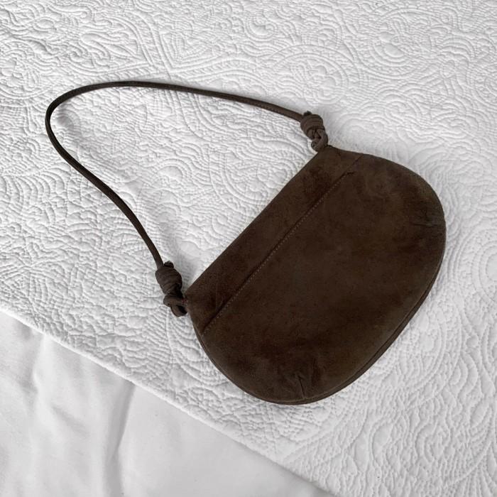 Bolso pequeño ante marrón