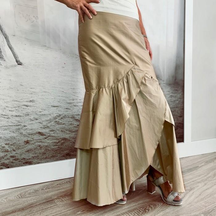 Falda con volantes marrón