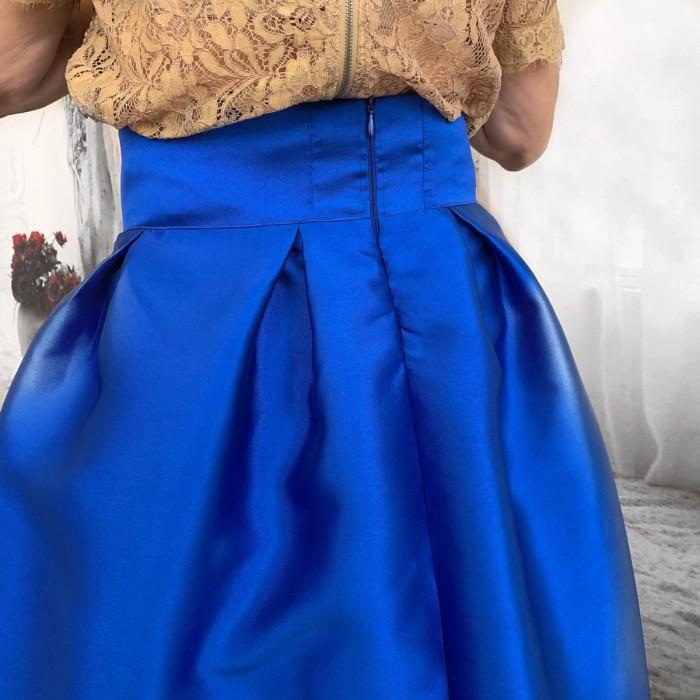 Falda larga azul klein