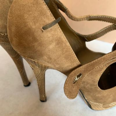 Peep-toes camel