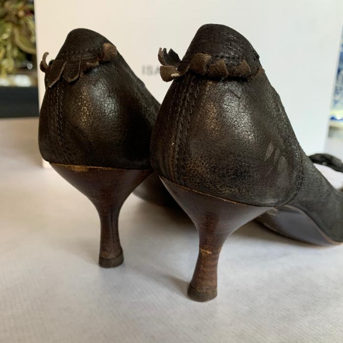 Zapatos tacón marrón