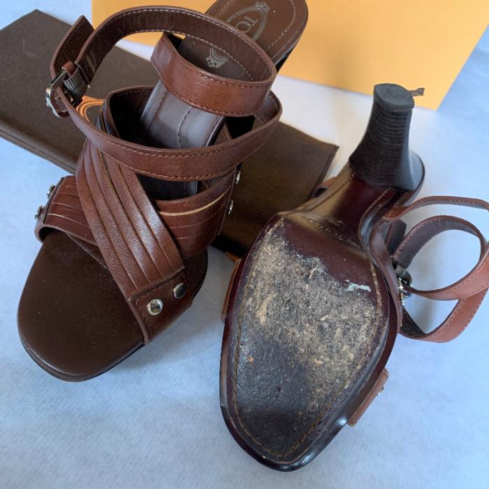 Sandalias Tod's marrón