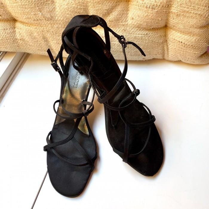 Sandalias tira negro