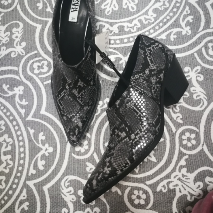 Zapatos de tacon  zara