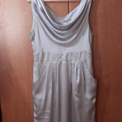 Vestido gris satén