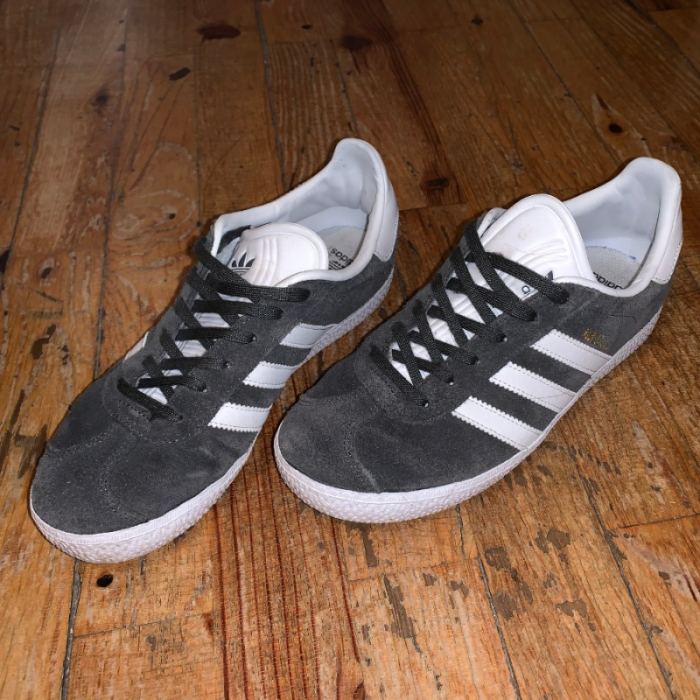 Tipo delantero agua alcohol  ADIDAS GAZELLE GRISES - Adidas | Best For Less